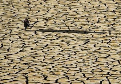میزان منابع آب تجدیدپذیر ایران در ۱۵ سال گذشته به یک سوم متوسط جهانی نزول پیدا کرده است