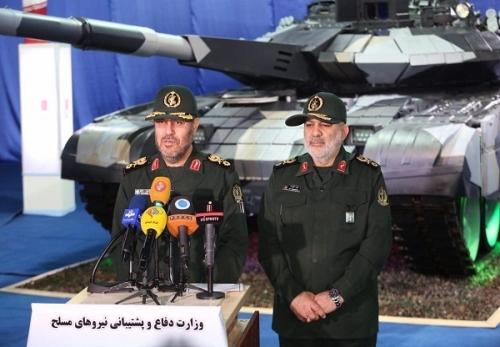 """กัรรอร"""" (Karrar) คือ ชื่อของรถถังที่อิหร่านผลิตเองในระยะเวลาประมาณ 358 วัน ของปีแห่งเศรษฐกิจต้านทาน ดำเนินการและการปฏิบัติ เป็นปีที่ผู้นำสูงสุดการปฏิวัติได้ตั้งชื่อปีนี้ ก็คือ ปี 1395 ตรงกับ 2016 ค.ศ"""
