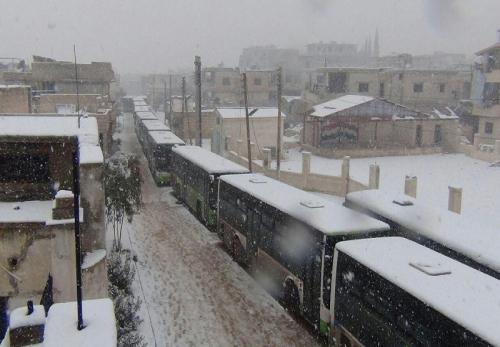 आतंकवादियों और सरकार के अधर में लटके समझौते के बीच बर्फ में ठिठुरते सीरिया के दो शिया गाँव + तस्वीरें