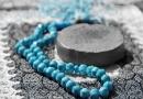 อัล-กุรอานคัมภีร์อันศักดิ์สิทธิ์แห่งพระผู้เป็นเจ้ามีอยู่ ๑๕ โองการเรียกว่า โองการซัจดะฮฺ