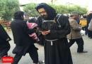 پوشش متفاوت نوه امام خمینی در راهپیمایی اربعین